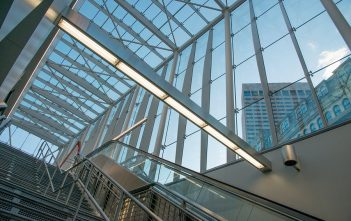 Global construction glass market research
