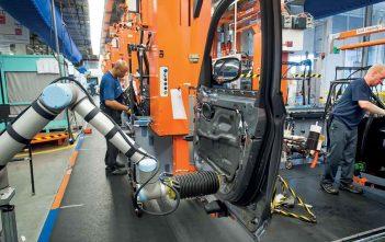 Global Collaborative Robots in Automotive Market