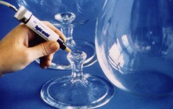 Global Glass Adhesives Market