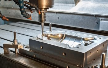 Global Industrial Mold Manufacturing Market