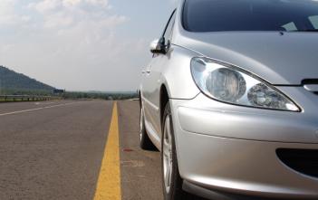 Car-Rental-Companies-Use-JT-IoT-SIMs-1024x576