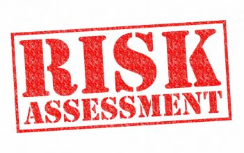 Decision Making Analysis in Risk Assessment