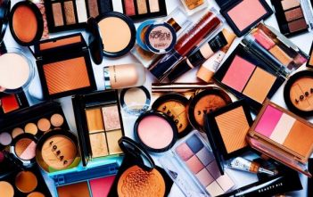 Global Cosmetic Dyes Market