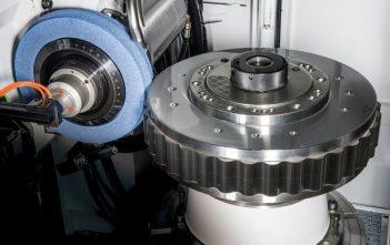 Global Gear Grinding Machine Market