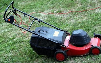 Global Power Lawn Mower Market
