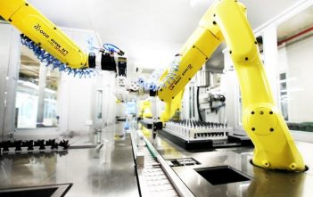 Global Pharmaceutical and Cosmetics Industrial Robots Market