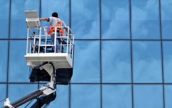 Automatic Window Cleaning System market